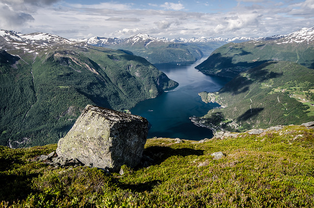Walk above the fjord