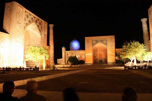 Samarkand, Registan, light show
